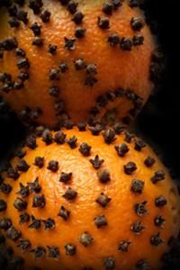 апельсин с гвоздикой