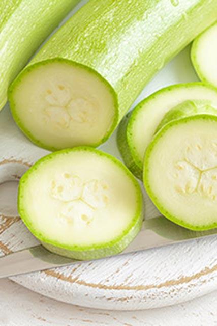 зелёные кабачки в нарезке
