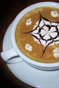рисунки на кофе видео