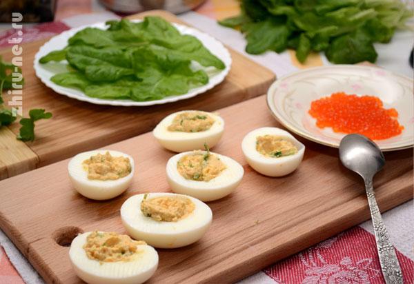 наполняем-яйца-начинкой