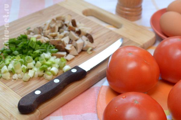 порезали-лук-и-грибы
