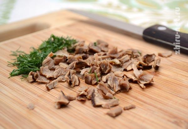 грибы-и-зелень-измельчить